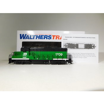 Walthers HO Scale Burlington Northern GP9M Diesel Locomotive #931-101