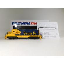 Walthers HO Scale Santa Fe GP9 Diesel Locomotive #931-103