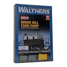 Walthers HO Brook Hill Farm Dairy # 933-3010
