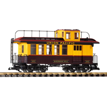 PIKO G Union Pacific wood Drovers Caboose  #1922 Wood Coach Car # 38656