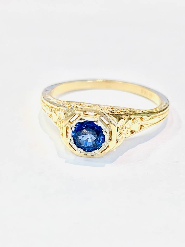 Freedman 4.5mm cornflower sapphire yellow gold filigree ring