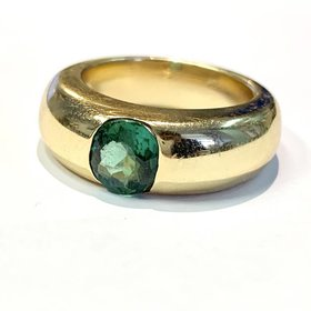 Tsavorite 14kt yellow gold ring