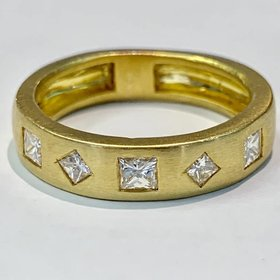18kt yellow gold 5 princess cut diamond band 1 carat total