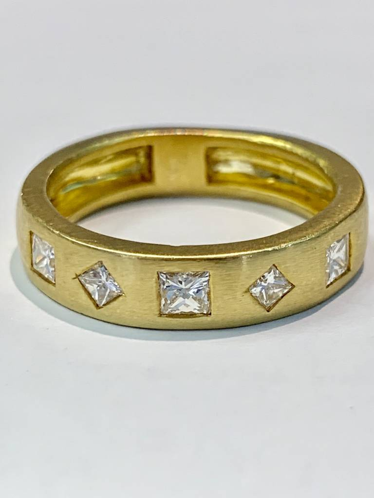 Freedman 18kt yellow gold handmade 5 princess cut diamond band 1 carat total