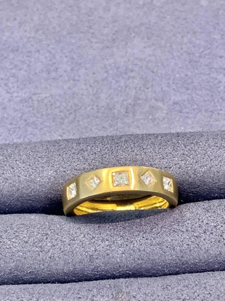 Freedman 18kt yellow gold handmade 5 princess cut diamond band 1 carat total