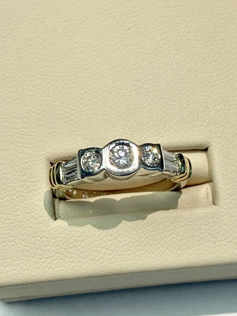 Freedman 14kt two toned round and baguette diamond ring 0.70 carat total