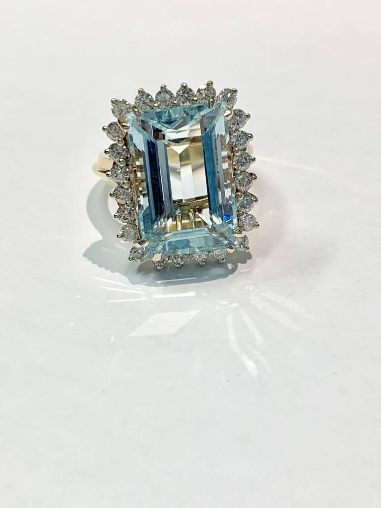 Freedman 20 Carat Aquamarine & Diamond Cocktail Ring