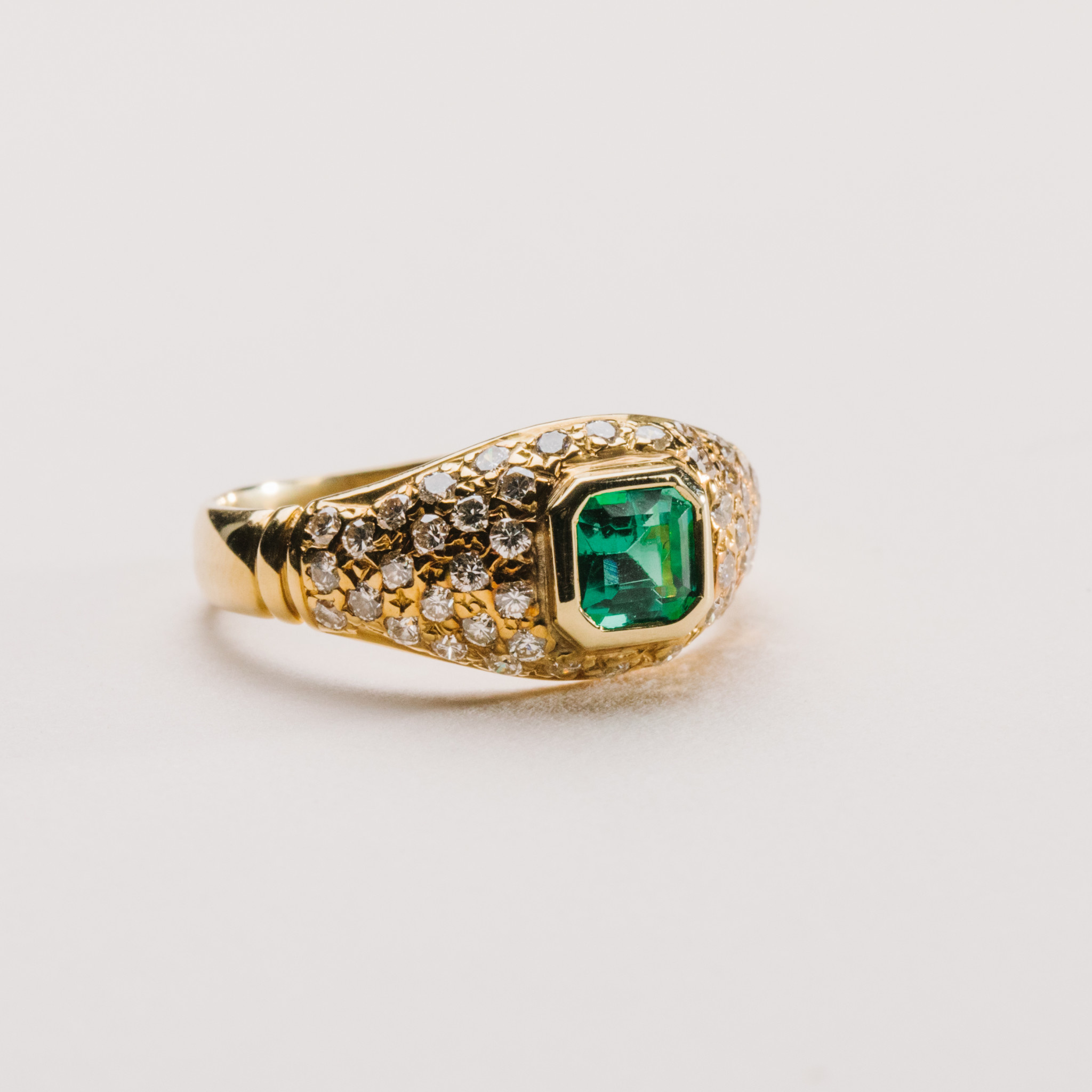 Estate 18kt yellow gold emerald and diamond ring