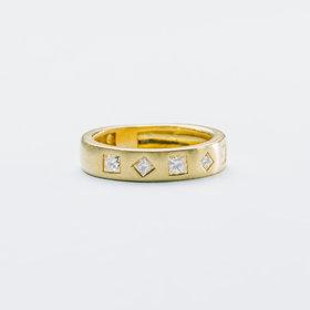 18kt yellow gold 5 princess cut diamond band 1 carat total