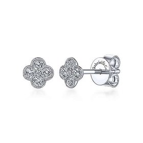EG13715 Diamond Flower Stud Earrings