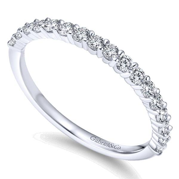 WB7498 diamond wedding band