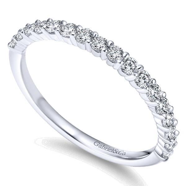 WB7498 diamond wedding band