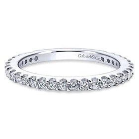 WB4124 Shared Prong Diamond Band