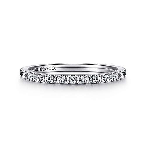 AN7682 Thin Shared Prong Diamond Band