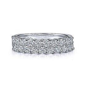 AN2869 Two Row Shared Prong Diamond Band