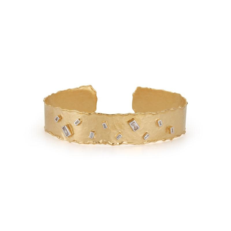 I. Reiss BIR258Y Hammered 14kt Yellow Gold Cuff with Baguette Diamonds