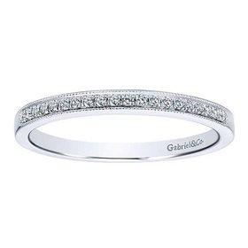 AN12081 Milgrain diamond band
