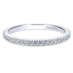 WB4181 thin diamond wedding band