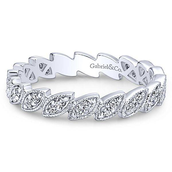 LR4652  stackable marquise shaped band