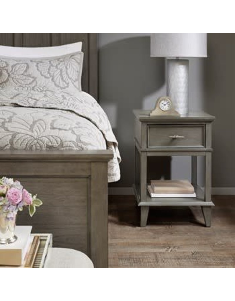 Pleasant Yardley Classic Nightstand With Drawer And Lower Shelf Beatyapartments Chair Design Images Beatyapartmentscom