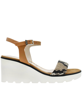 Gadea Gadea Camel Buckled Wedge With White Light Weight Sole 1029
