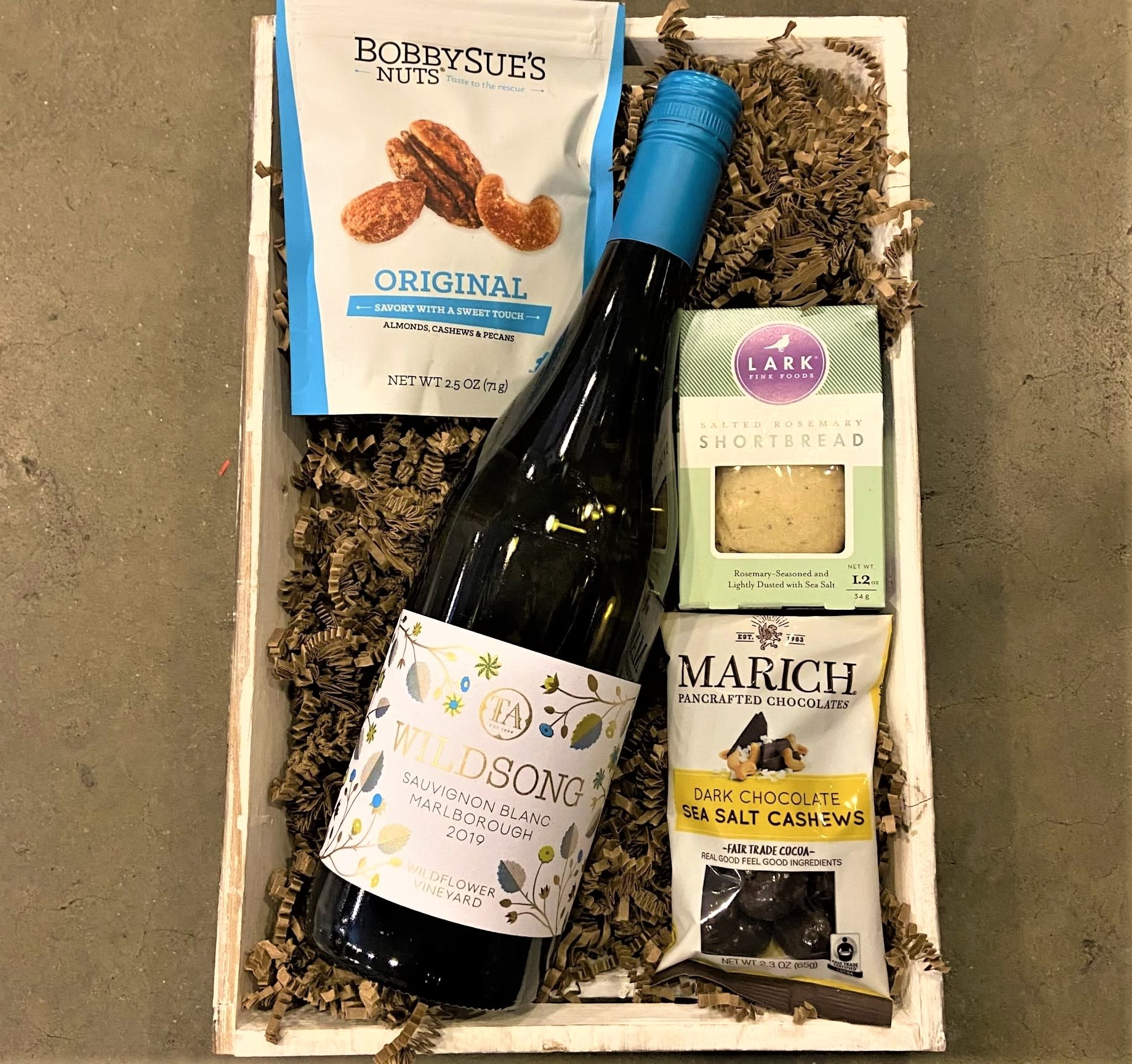 "New Zealand Sauvignon Blanc ""Wildsong"" Single Bottle Gift Basket"