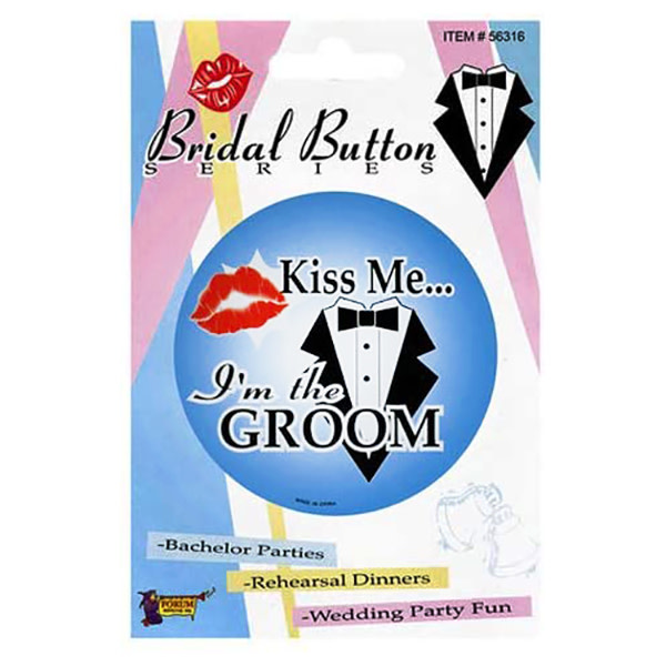 Forum Novelties Kiss Me I'm the Groom Button