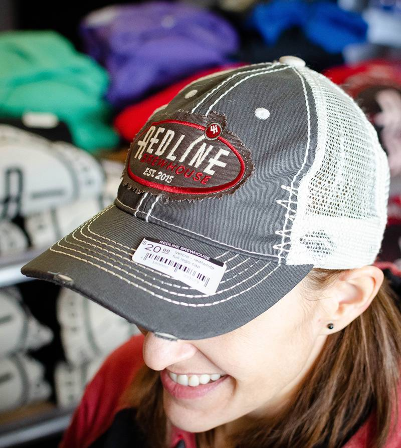 Dryve Designs Velcro - red/white full logo cap