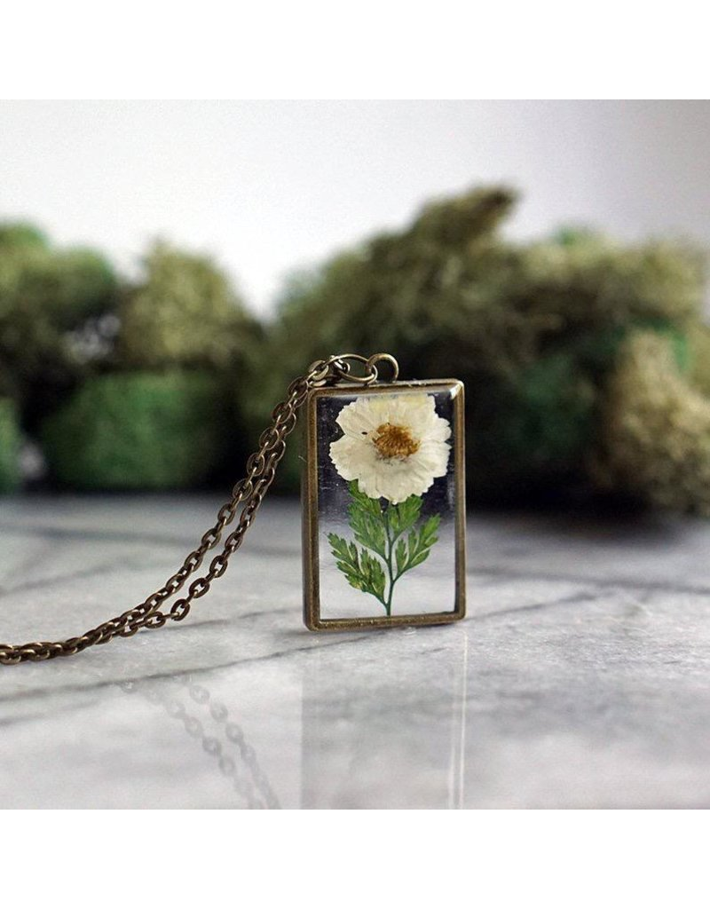The Pretty Pickle Necklace-Birth Month Flower, APRIL, Daisy