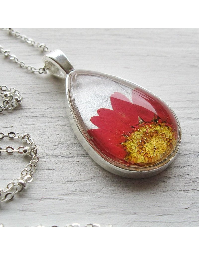 """Winter Garden Necklace-Botanical Teardrop, Pressed Daisy, Red/Silver, SILVER 18"""" Chain"""