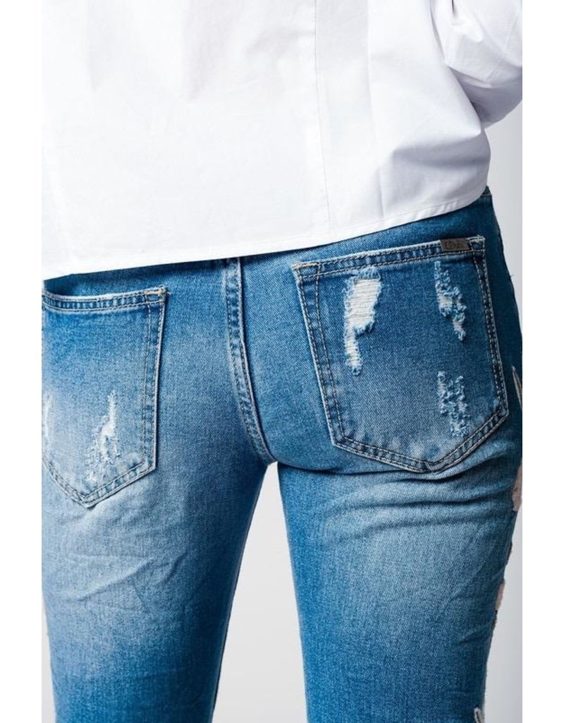 Q2 Clothing Jeans-Boyfriend Floral Embroidery