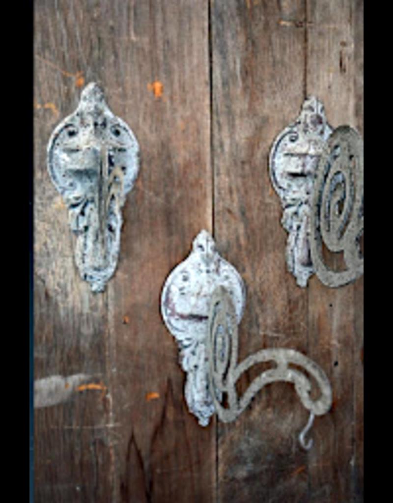 Antiqued Ornate Bracket
