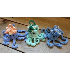 White Mountain Yarnery Jelly Fish Bath Toy