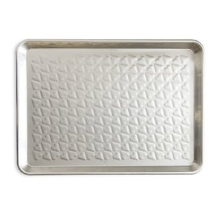 Nordic Ware Nordic Ware Heart Embossed Half Sheet & Serving Tray