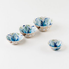 One Hundred 80 Degrees One Hundred 80 Degrees Spring Flower Dipping Bowl Set of 4 Assorted Sizes