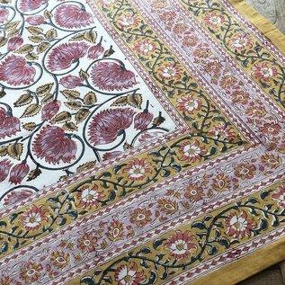 Mahogany USA Mahogany Roop Ivory Tablecloth 60 in. x 90 in.