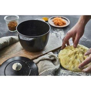Staub Staub Petite French Oven 1.5 Qt Matte Black