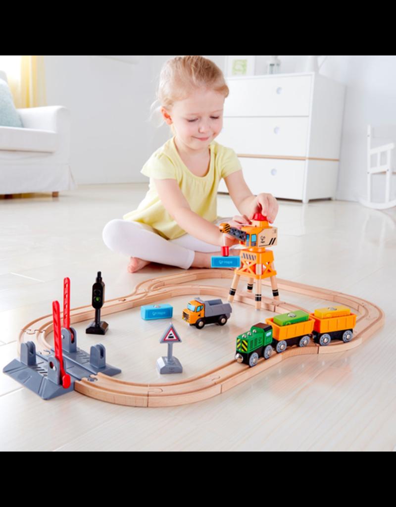 Hape Toys Crossing & Crane Train Set
