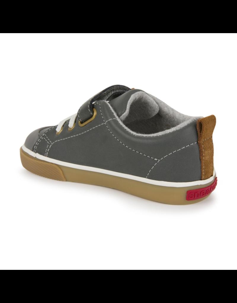 See Kai Run Stevie II Leather Sneakers Size 4
