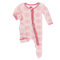 KICKEE PANTS PRINT LAYETTE CLASSIC RUFFLE FOOTIE WITH ZIPPER IN MACAROON MANADLA