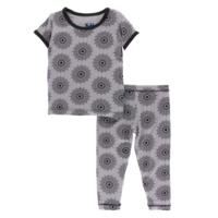 KICKEE PANTS PRINT SHORT SLEEVE PAJAMA SET IN FEATHER MANDALA