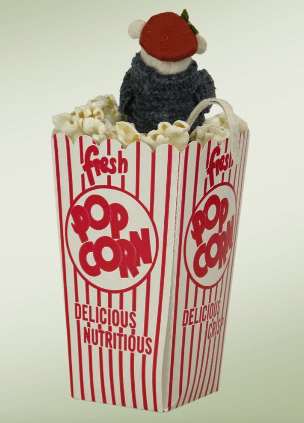 BYERS' CHOICE MOUSE IN POPCORN