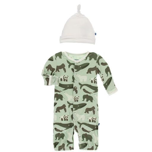 KICKEE PANTS KICKEE PANTS PRINT GOWN CONVERTER & KNOT HAT SET IN ALOE ENDANGERED ANIMALS