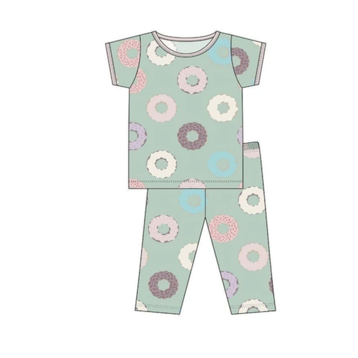 KICKEE PANTS PRINT SHORT SLEEVE PAJAMA SET IN PISTACHIO DONUTS