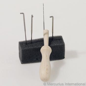 Mercurius Felt needle set, 4 needles + wooden holder