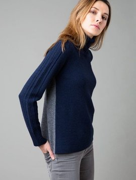 Kinross Colorblock T-Neck with Lacing