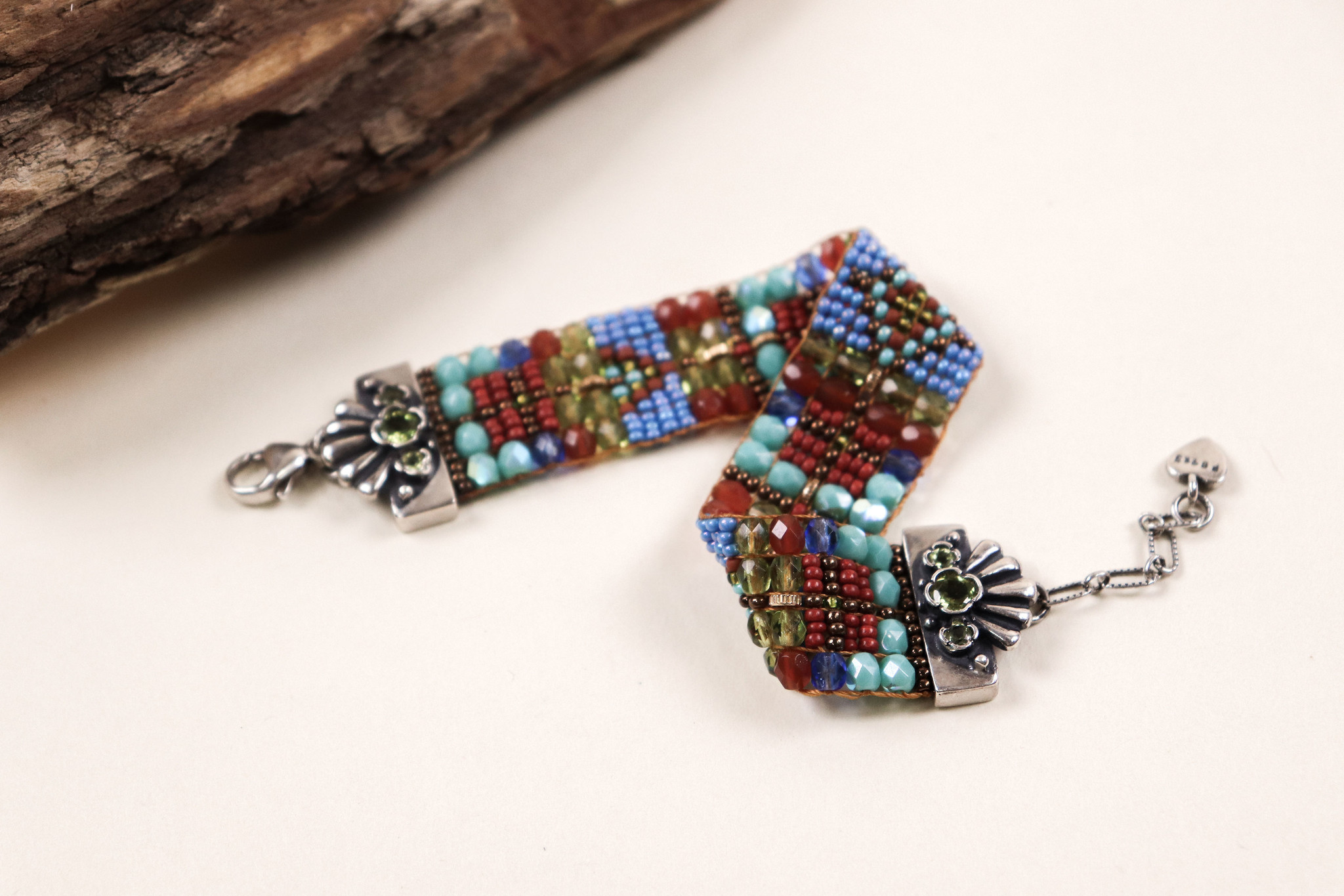 Peyote Bird Designs Chili Rose Green Stone Clasp Bracelet
