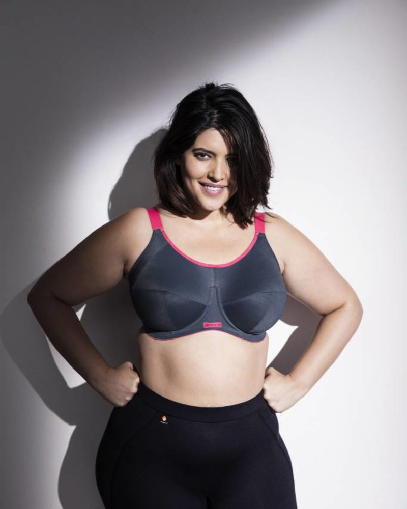 e011268168 Energise Underwire Sports Bra with J Hook - ANGIE DAVIS
