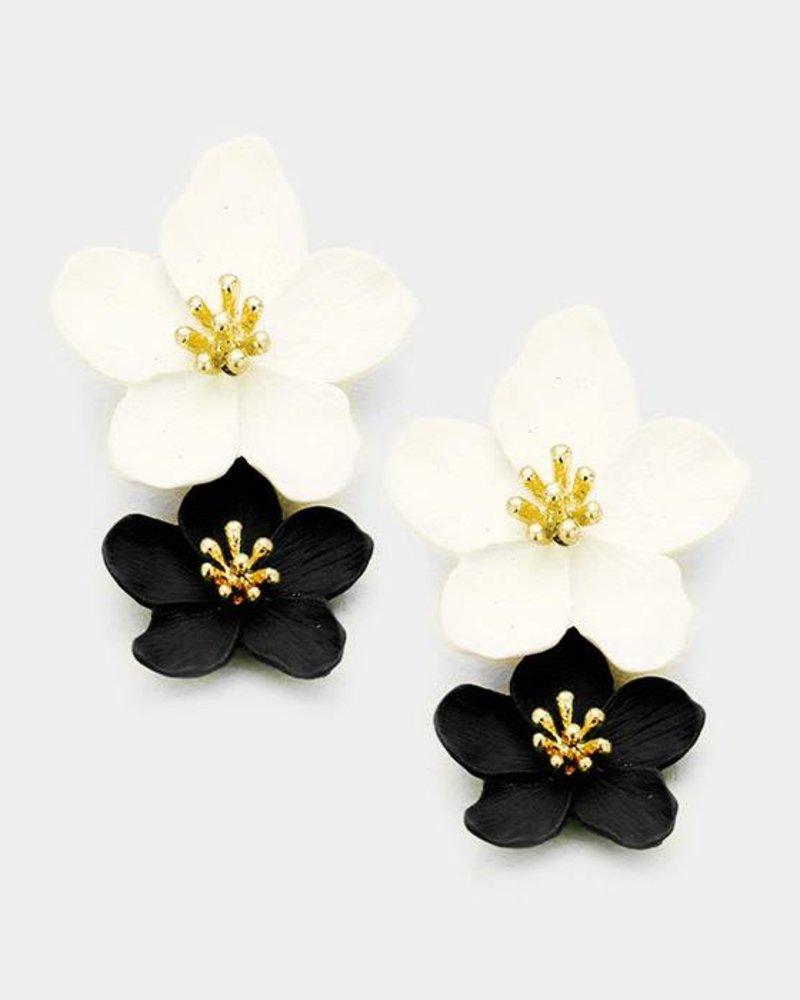 FLOWER EARRINGS - BLACK & WHITE