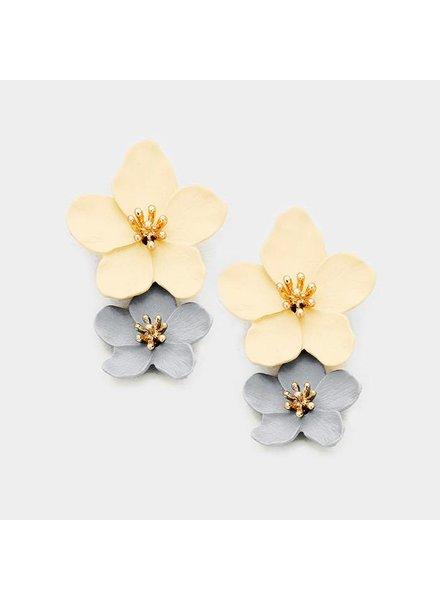 FLOWER EARRINGS - GRAY & TAN